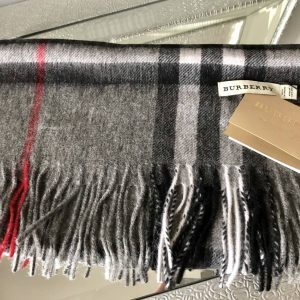Burb inspired scarf grey & red