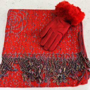Red scarf and gloves set