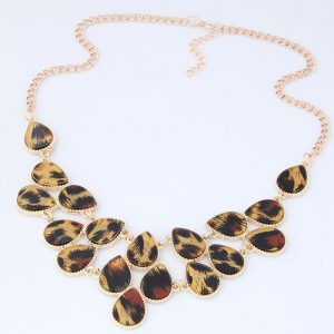 Leopard print necklace tan